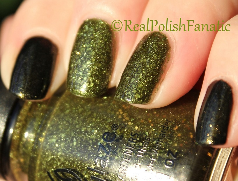 China Glaze It's Alive & China Glaze Cast A Spell (3)