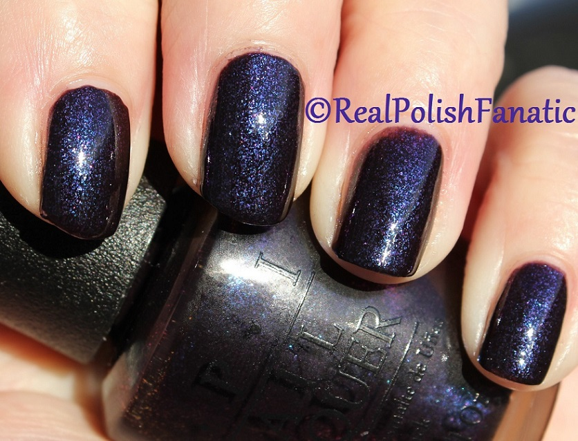 OPI Cosmo With A Twist - Holiday 2015 Starlight Collection (11)