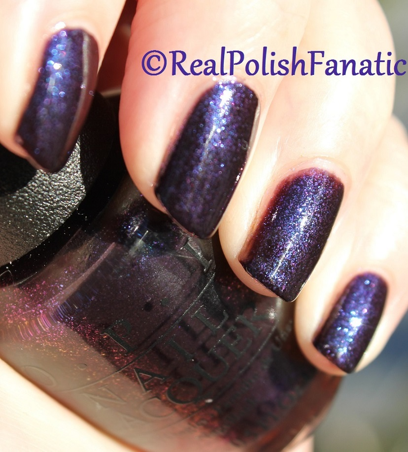 OPI Cosmo With A Twist - Holiday 2015 Starlight Collection (14)