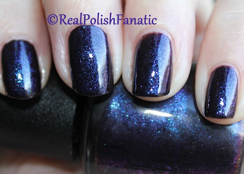 OPI Cosmo With A Twist - Holiday 2015 Starlight Collection (15)
