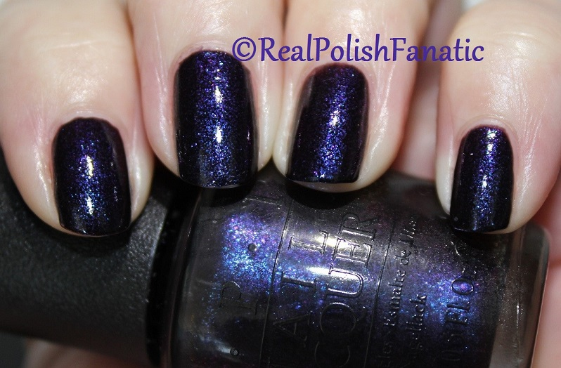 OPI Cosmo With A Twist - Holiday 2015 Starlight Collection (16)