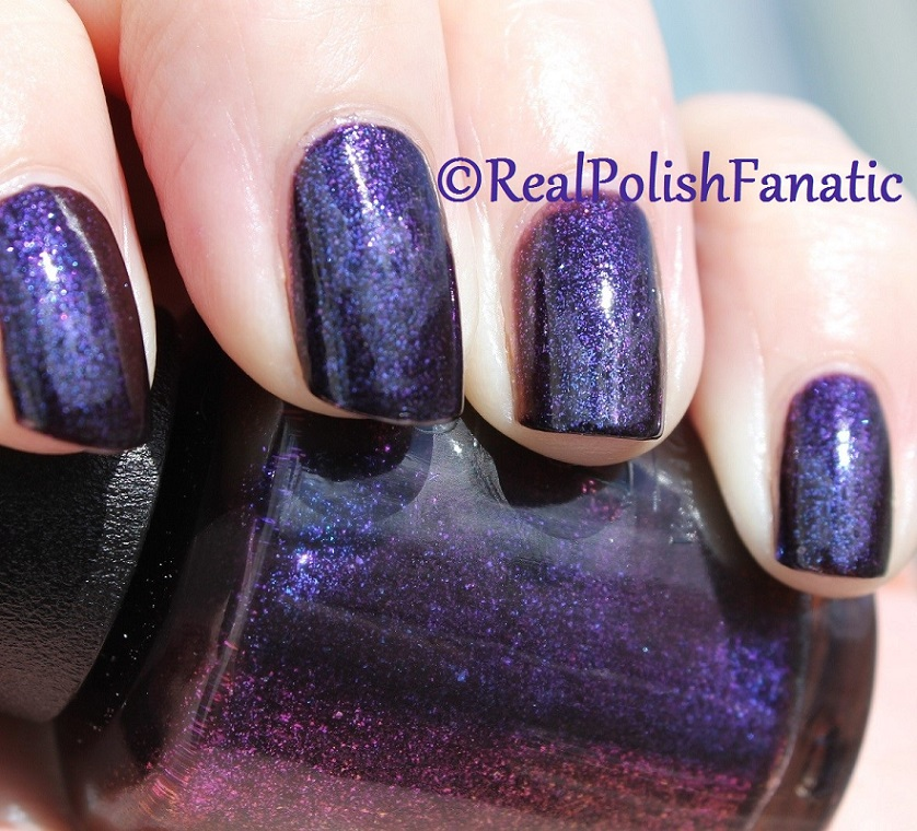 OPI Cosmo With A Twist - Holiday 2015 Starlight Collection (17)