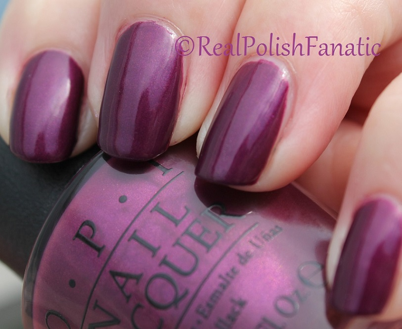 OPI Starlight Collection Holiday 2015 – I_m in the Moon for Love (1)