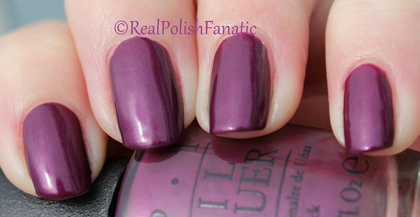OPI Starlight Collection Holiday 2015 – I_m in the Moon for Love (2)