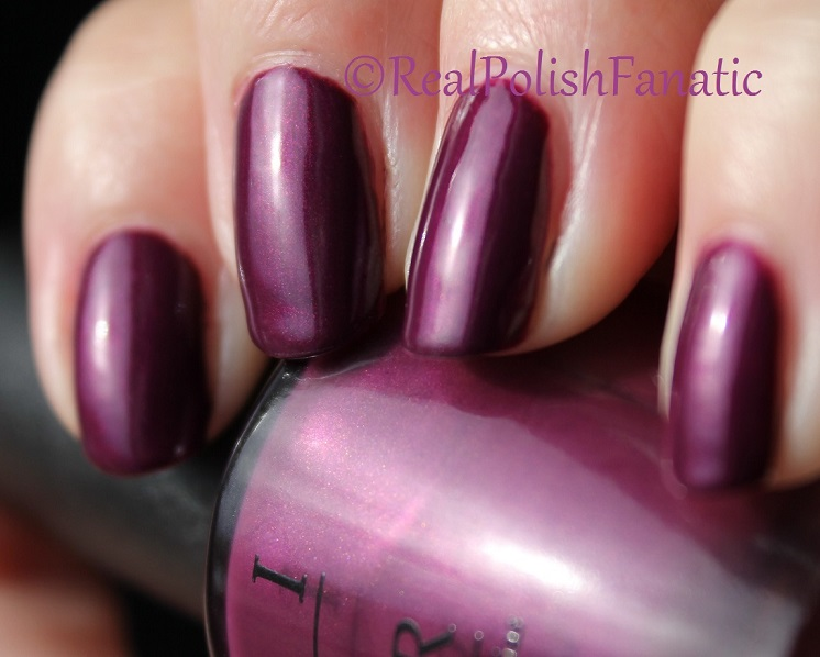 OPI Starlight Collection Holiday 2015 – I_m in the Moon for Love (3)