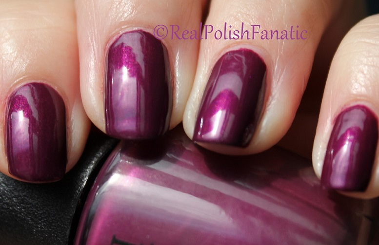 OPI Starlight Collection Holiday 2015 – I_m in the Moon for Love (4)