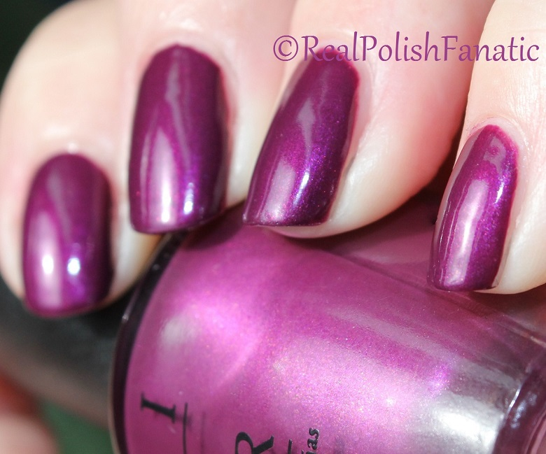OPI Starlight Collection Holiday 2015 – I_m in the Moon for Love (5)