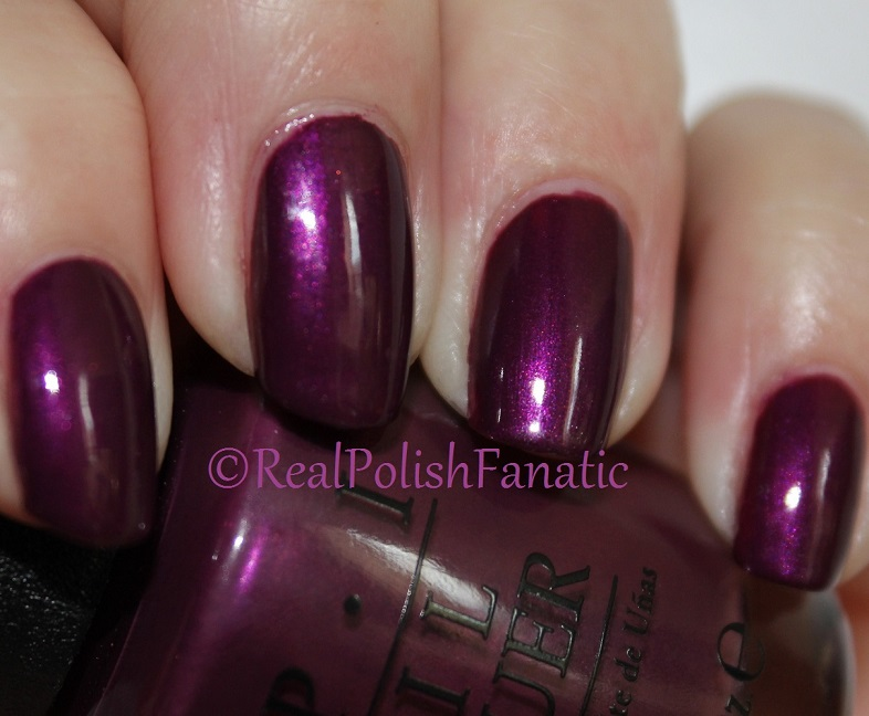OPI Starlight Collection Holiday 2015 – I_m in the Moon for Love (7)