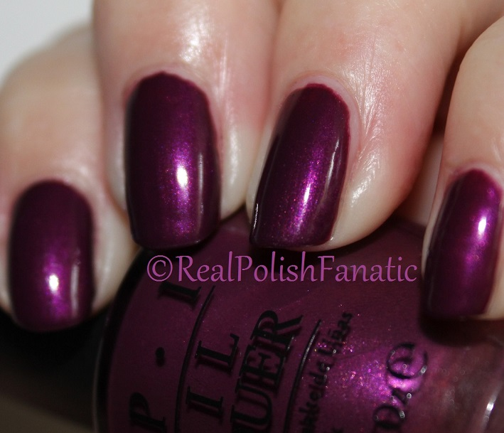 OPI Starlight Collection Holiday 2015 – I_m in the Moon for Love (8)