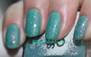 OPI - My Dogsled Is A Hybrid & Sally Hansen Sugar Coat - Royal Icing