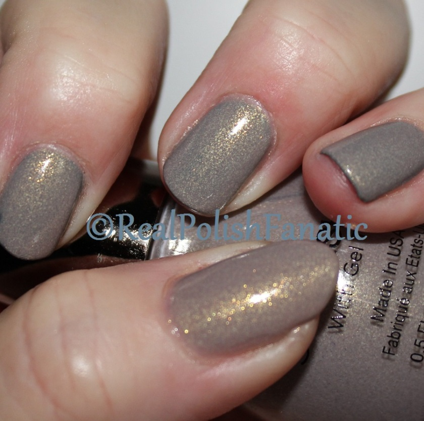 04-11-2016 Sally Hansen - Bow To The Queen & Sinful Shine - Prosecco (8)