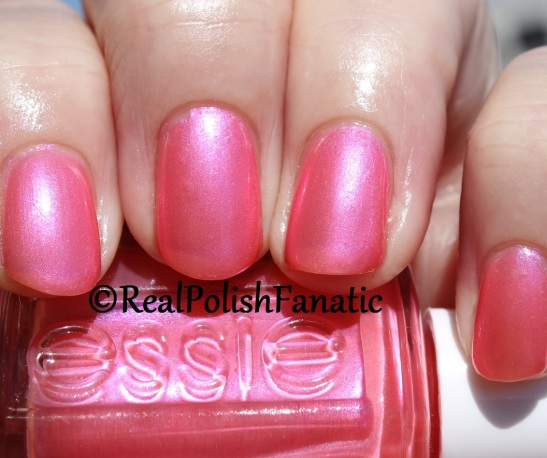 "Essie Summer 2016 Tropical Lights Collection ""Fun Ships"" - Sizzling Hot"