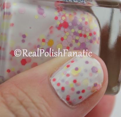 Gloss 'N Sparkle - My Own Summer