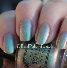 Tonic Polish - Greenglow