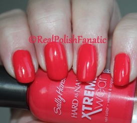 Sally Hansen - Rebel Red