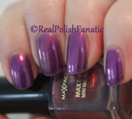 Max Factor - Fantasy Fire // Comparison of both versions