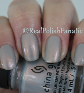China Glaze - Pearl Jammin' // Holiday 2016 Rebel Collection