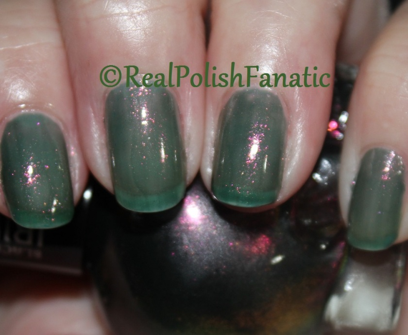 Blackheart Beauty - Oil Slick Iridescent - 1 coat
