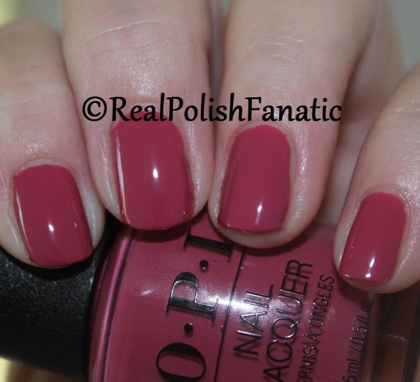 5. OPI Aurora Berry-alis (1)