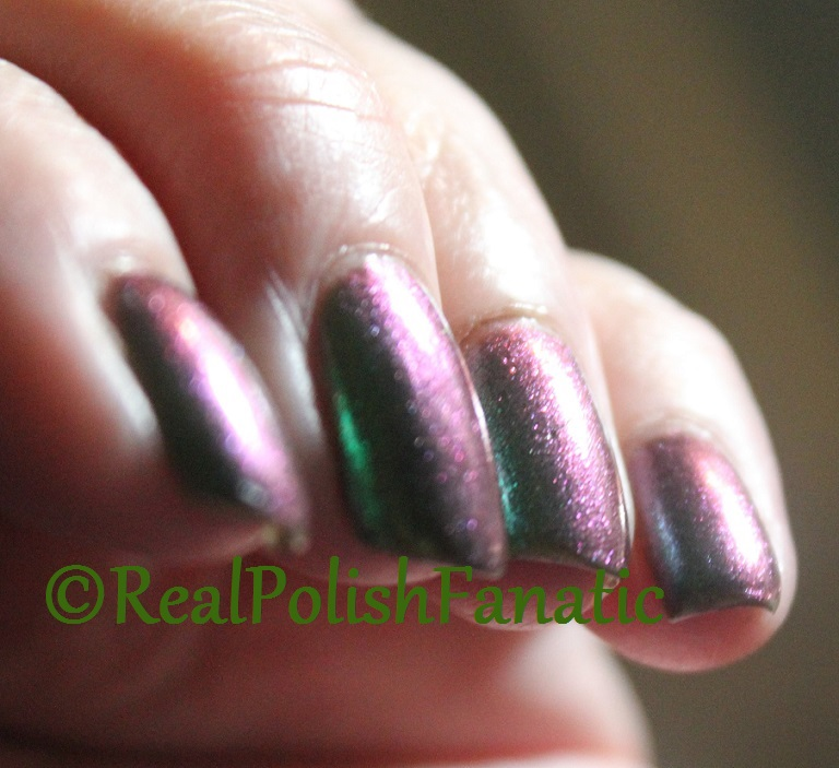 Blackheart Beauty Green AB Iridescent (1)