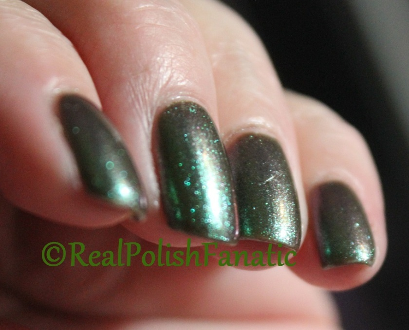 Blackheart Beauty Green AB Iridescent (2)