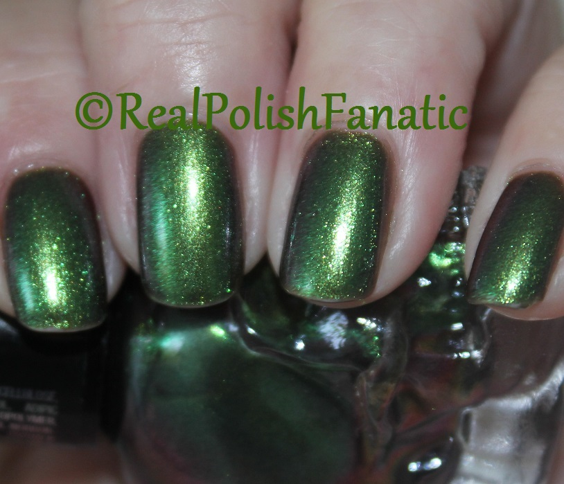Blackheart Beauty Green AB Iridescent (5)
