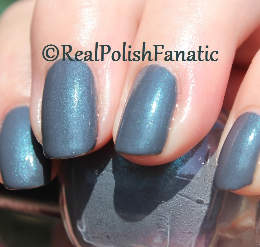 Blackheart Beauty - Grey Iridescent
