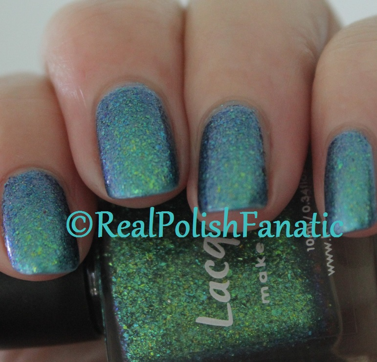 Lacquester Pornflakes Topcoat Northern Lights over Blackheart Beauty Blue Iridescent (12)