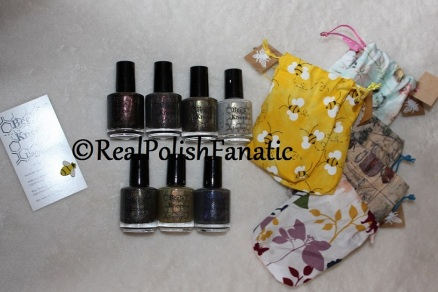 Bee's Knees Lacquer - Nail Mail