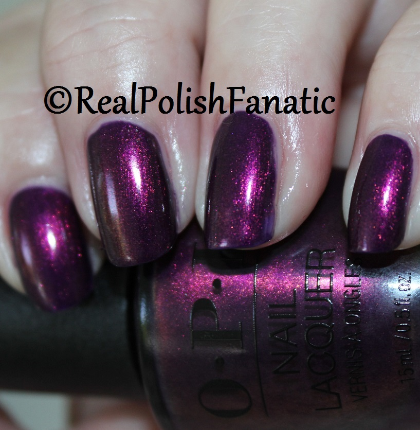 OPI Feel the Chemis-tree - XOXO Collection Holiday 2017 (1)