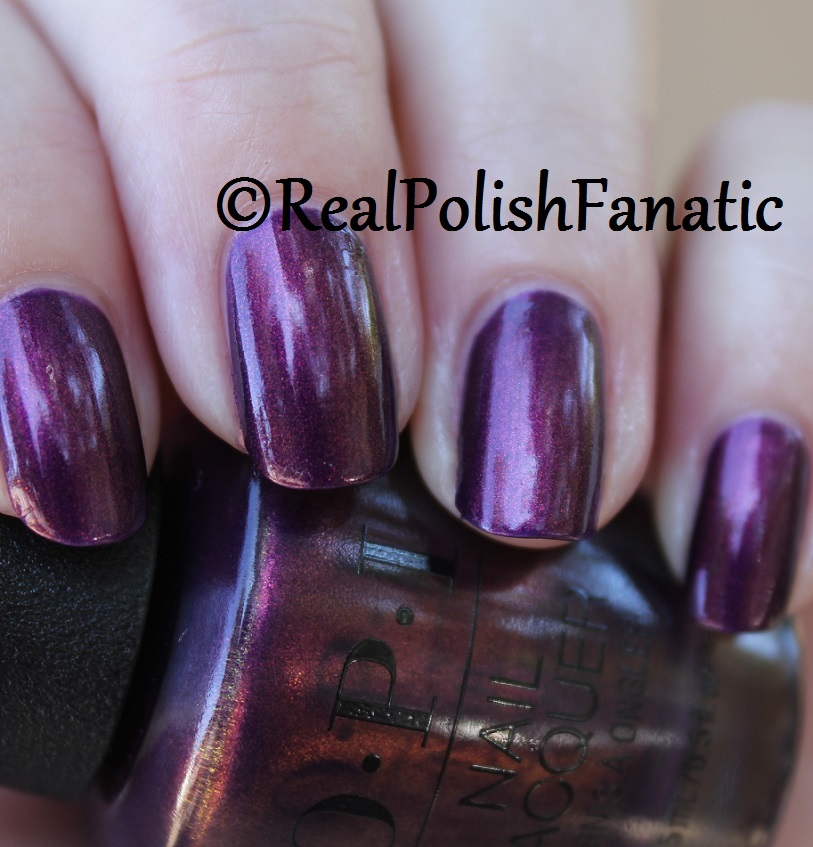 OPI Feel the Chemis-tree - XOXO Collection Holiday 2017 (14)