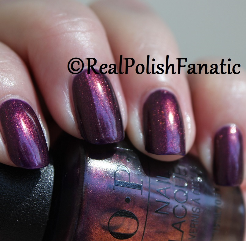 OPI Feel the Chemis-tree - XOXO Collection Holiday 2017 (17)