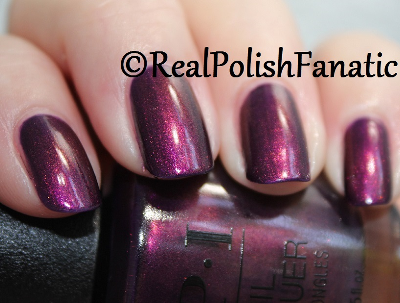 OPI Feel the Chemis-tree - XOXO Collection Holiday 2017 (19)