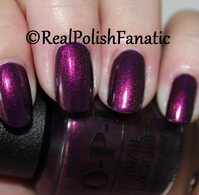 OPI Feel the Chemis-tree - XOXO Collection Holiday 2017 (2)