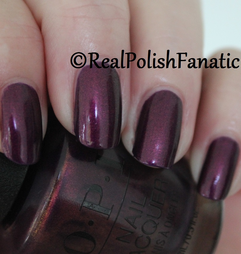 OPI Feel the Chemis-tree - XOXO Collection Holiday 2017 (8)