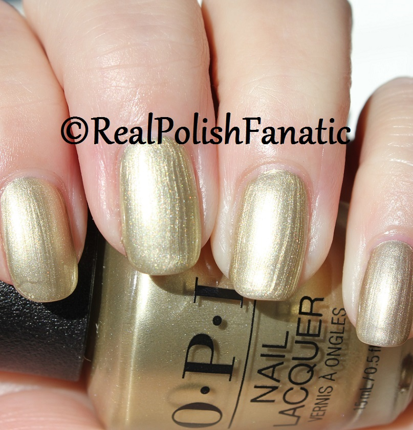 OPI Gift of Gold Never Gets Old - XOXO Collection Holiday 2017 (17)