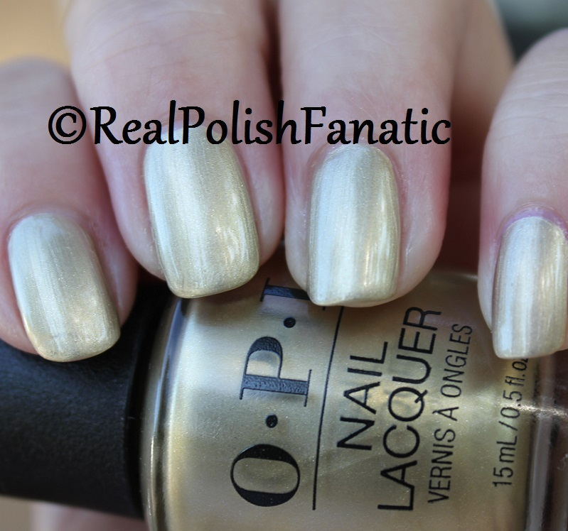 OPI Gift of Gold Never Gets Old - XOXO Collection Holiday 2017 (22)