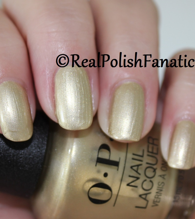 OPI Gift of Gold Never Gets Old - XOXO Collection Holiday 2017 (3)