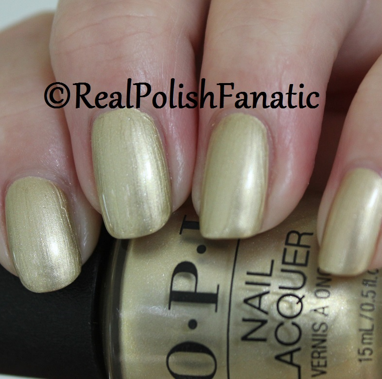 OPI Gift of Gold Never Gets Old - XOXO Collection Holiday 2017 (7)