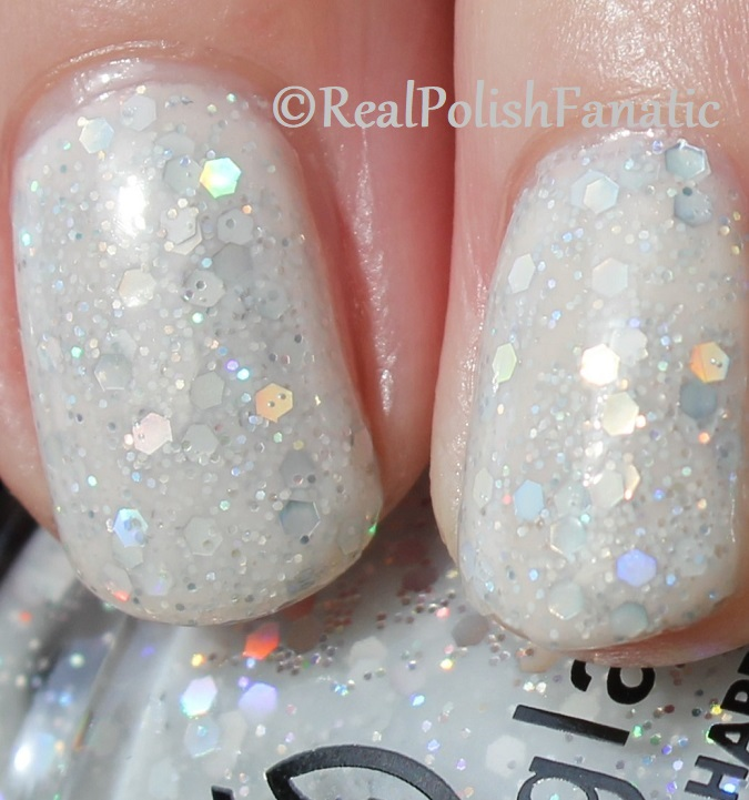 China Glaze _ Don't Be A Snow-flake -- Holiday 2017 The Glam Finale Collection (29)