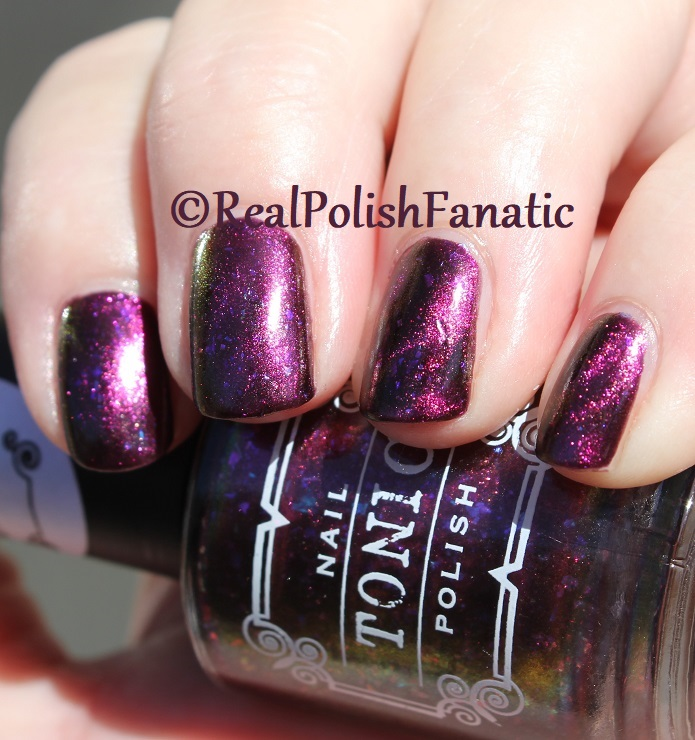 Tonic Polish - Zeppo - Multichrome Madness Exclusive Dec 2017 (33)