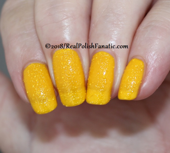 OPI - Hate To Burst Your Bubble - Summer 2018 Pop Culture Collection (11)