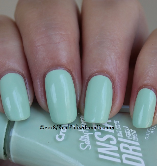 Sally Hansen - Sea Green -- Summer 2018 Crayola Collection (16)