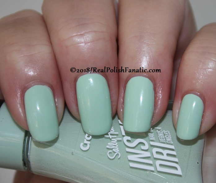 Sally Hansen - Sea Green -- Summer 2018 Crayola Collection (4)