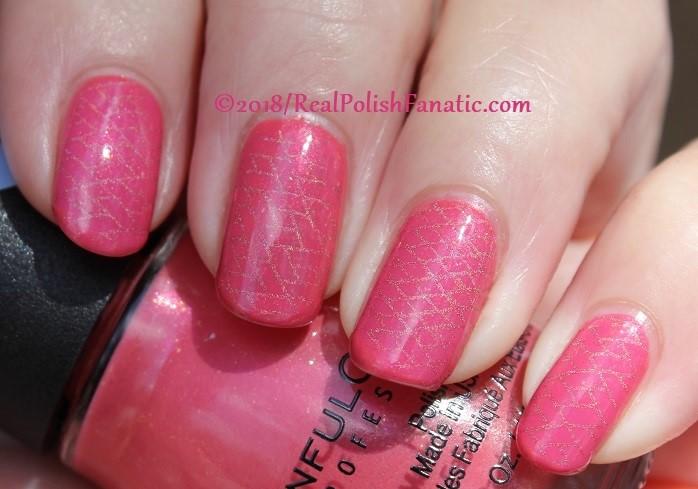 Sinful Colors Jelly Ellie stamped with China Glaze TTYL 2018 with Moyou London Suki Plate #15 (24)