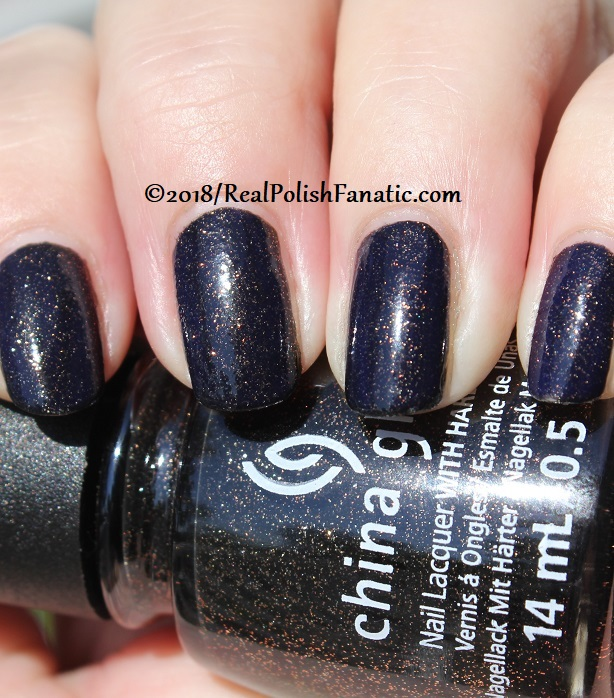 China Glaze - Ash & Burn -- Paint It Black Collection Halloween 2018 (17)