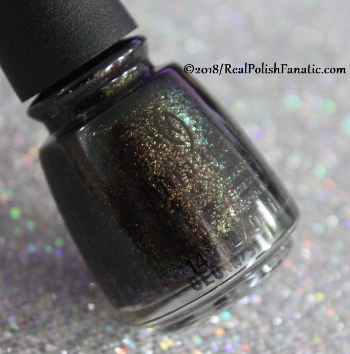 China Glaze - Aut-umn I Need That -- Ready To Wear FW 2018 (2)