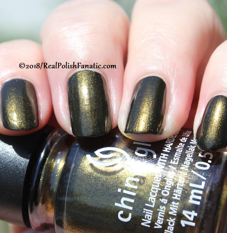 China Glaze - Wicked Liquid -- Paint It Black Collection Halloween 2018 (20)
