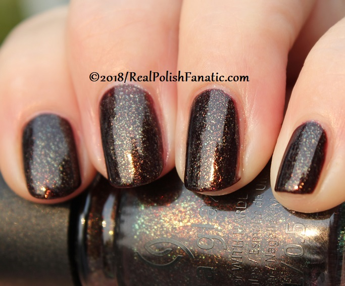 China Glaze - Aut-umn I Need That -- Ready To Wear FW 18 Collection (15)