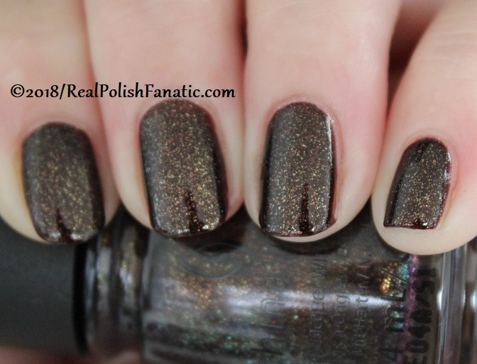 China Glaze - Aut-umn I Need That -- Ready To Wear FW 18 Collection (9)